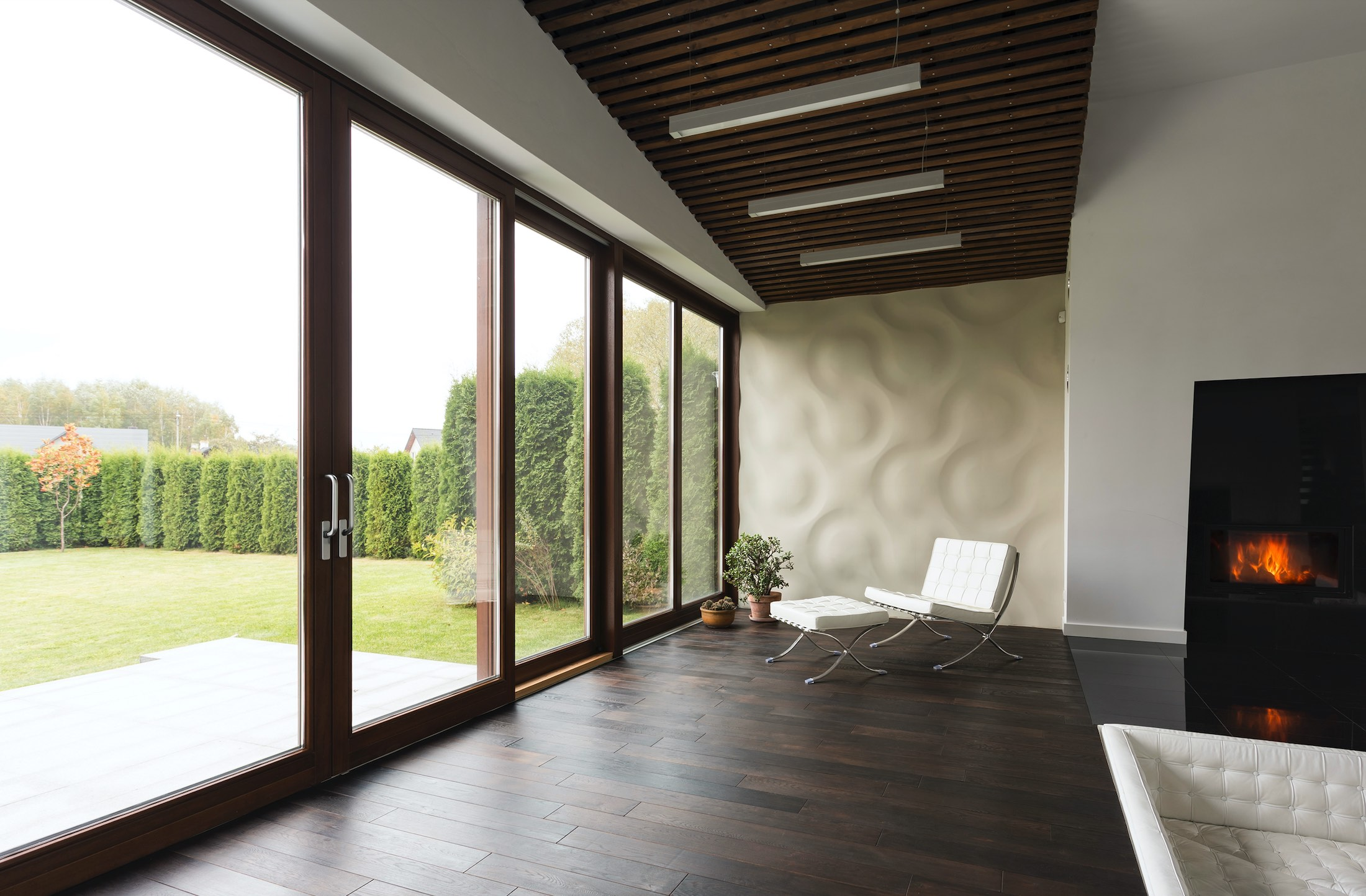 House Window Tint Useful Information And The Pros & Cons of Using It - Home Window Film in New Orleans, Louisiana